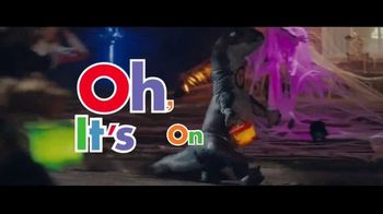 Party City TV Spot, 'They're Coming' - Thumbnail 9