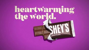 Hershey's TV Spot, 'Heartwarming the World: Break Up' Song by Noah Cyrus - Thumbnail 10