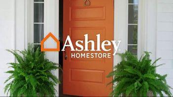 Ashley HomeStore Fall Home Sale TV Spot, 'Fresh Look' - Thumbnail 1