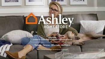 Ashley HomeStore Fall Home Sale TV Spot, 'Fresh Look' - Thumbnail 8