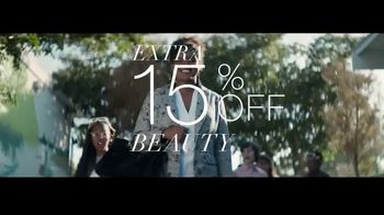 Macy's VIP Sale TV Spot, 'Rare Discounts' Featuring Becky Hammon - Thumbnail 6