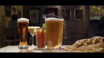 Buffalo Wild Wings Gameday Menu TV Spot, 'Office' - Thumbnail 9