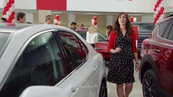 Toyota Summer Starts Here TV Spot, 'Sunglasses' [T2] - Thumbnail 2