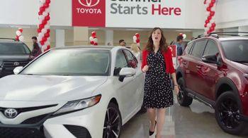 Toyota Summer Starts Here TV Spot, 'Sunglasses' [T2] - Thumbnail 4