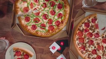 Pizza Hut $7.99 Large 2-Topping Pizza TV Spot, 'Oven Hot Delivery' - Thumbnail 3