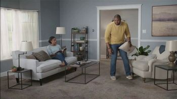 Lowe's TV Spot, 'The Moment: Old Carpet: Stainmaster Deluxe Installation' - Thumbnail 3