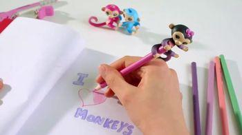 Fingerlings Minis TV Spot, 'Love to Hang' - Thumbnail 5