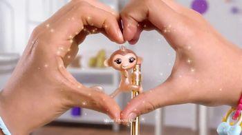 Fingerlings Minis TV Spot, 'Love to Hang' - Thumbnail 8