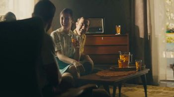 Lipton TV Spot, 'Refreshingly Optimistic Moments' Song by Frank Sinatra - Thumbnail 1