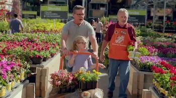 The Home Depot TV Spot, 'Dipladenias' [Spanish] - Thumbnail 2