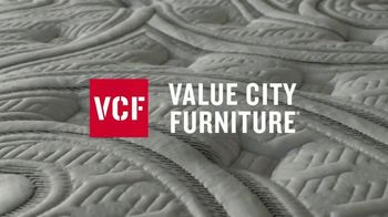 Value City Furniture Pre-Memorial Day Sale TV Spot, 'Select Mattresses' - Thumbnail 3