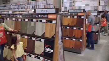 The Home Depot TV Spot, 'Últimos estilos en piso' [Spanish]