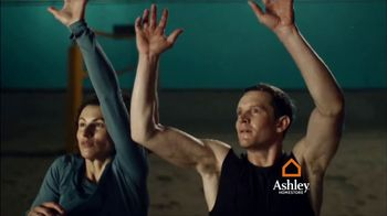 Ashley HomeStore TV Spot, 'Volleyball: Interest-Free Financing' - Thumbnail 3