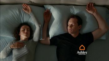 Ashley HomeStore TV Spot, 'Volleyball: Interest-Free Financing' - Thumbnail 5