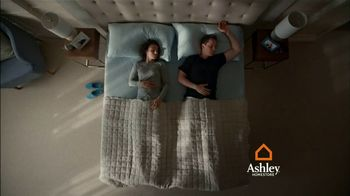 Ashley HomeStore TV Spot, 'Volleyball: Interest-Free Financing' - Thumbnail 6