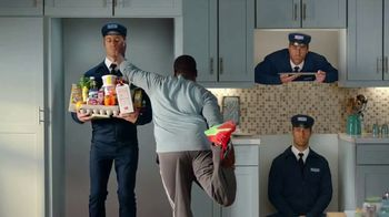 May Is Maytag Month TV Spot, 'Handsy' Featuring Colin Ferguson - Thumbnail 4