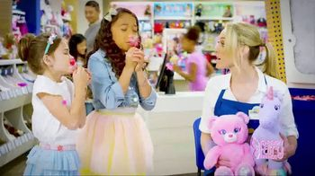 Build-A-Bear Workshop Beary Fairy Friends TV Spot, 'Magic Wings' - Thumbnail 3