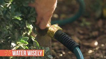 John Deere X350 TV Spot, 'Party Ready Lawn' - Thumbnail 5