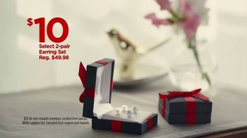 JCPenney TV Spot, ' Mother's Day: Extra $10 Off Gifts' Song by Redbone - Thumbnail 4