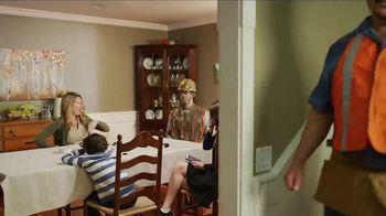 811 TV Spot, 'Pool' - Thumbnail 9