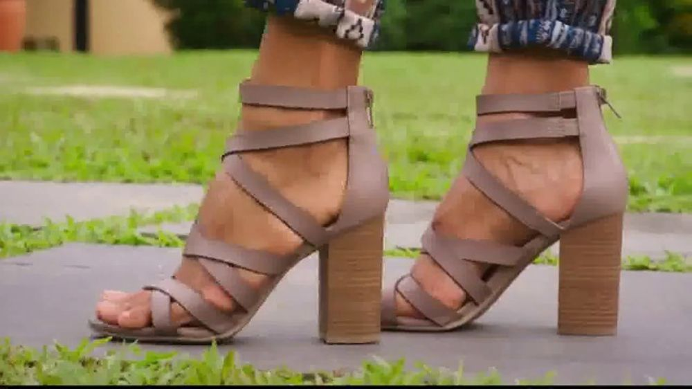 6fef6702fbce2e Payless Shoe Source TV Commercial
