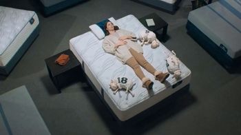 Serta Dare to Compare Mattress Event TV Spot, 'Ann Marie Peebles' - Thumbnail 6