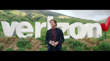 Verizon TV Spot, 'Roadside' Featuring Thomas Middleditch - Thumbnail 4