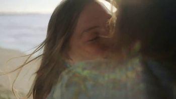 Coca-Cola TV Spot, 'Comparte una Coca-Cola con amor' [Spanish] - Thumbnail 3