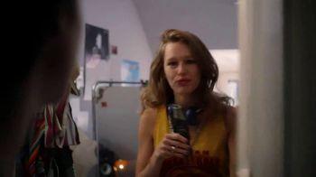 Coca-Cola TV Spot, 'Comparte una Coca-Cola con amor' [Spanish] - Thumbnail 8