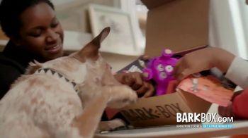 BarkBox TV Spot, 'Mailman' - Thumbnail 7