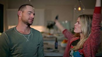 Dietz & Watson TV Spot, 'It's a Family Thing: Game Night' Ft. Andy Roddick - Thumbnail 7