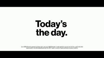 Verizon TV Spot, 'Running Club' Featuring Thomas Middleditch - Thumbnail 5
