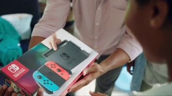 Nintendo Switch TV Spot, 'Play Games Together'