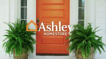 Ashley HomeStore Memorial Day Sale TV Spot, 'No-Interest Mattress Deals' - Thumbnail 1