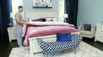 Ashley HomeStore Memorial Day Sale TV Spot, 'No-Interest Mattress Deals' - Thumbnail 7