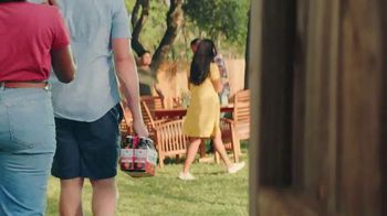 Budweiser Freedom Reserve TV Spot, 'Introducing the Red Lager' [Spanish] - Thumbnail 2