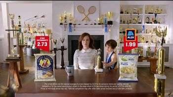 ALDI SimpyNature White Cheddar Puffs TV Spot, 'Awards Family' - Thumbnail 4