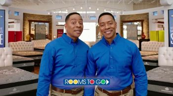 Rooms to Go Memorial Day Mattress Sale TV Spot, 'Twins' - Thumbnail 10