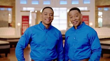 Rooms to Go Memorial Day Mattress Sale TV Spot, 'Twins' - Thumbnail 8