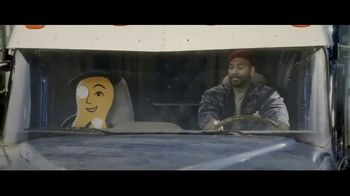 Planters Mixed Nuts TV Spot, 'Big Rig' - Thumbnail 8