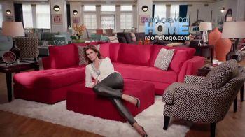 Rooms to Go TV Spot, 'Memorial Day: Cindy Crawford Home' - Thumbnail 10