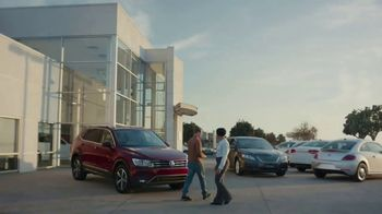 Kelley Blue Book TV Spot, 'Bring It Into Focus' - Thumbnail 10