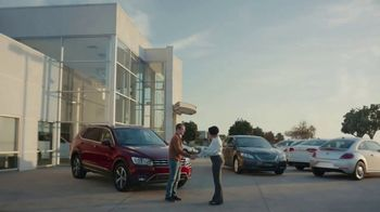 Kelley Blue Book TV Spot, 'Bring It Into Focus' - Thumbnail 9