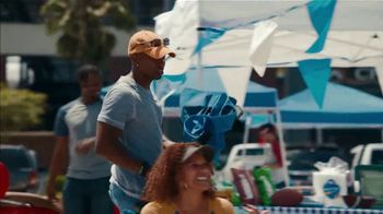Zaxby's TV Spot, 'Nothing Goes Better With Tailgating' - Thumbnail 3