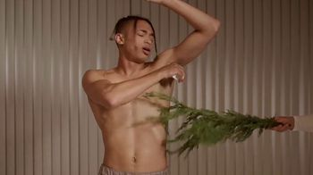 Schmidt's Natural Deodorant Cedarwood+Juniper TV Spot, 'Yawn'