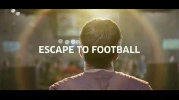Buffalo Wild Wings Gameday Menu TV Spot, 'Escape to Football: Family' - Thumbnail 7