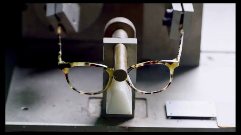 Warby Parker TV Commercial, 'Hinge Test'