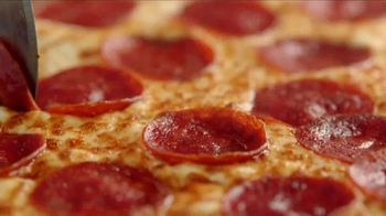 Hungry Howie's 45-Cent Large 1-Topping Pizza TV Spot, 'Howie Do It' - Thumbnail 9