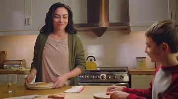 Nestle Toll House Morsels TV Spot, 'Cookie Pizza' - Thumbnail 1