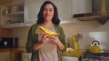 Nestle Toll House Morsels TV Spot, 'Cookie Pizza' - Thumbnail 3